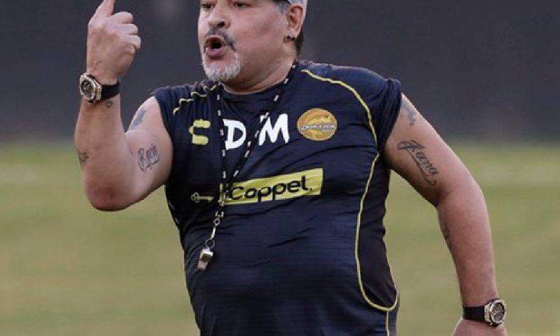El astro argentino Diego Armando Maradona decidió no continuar como técnico de los Dorados