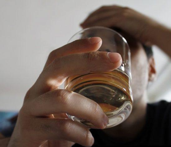 El 14% además de consumir alcohol, también es fumador.
