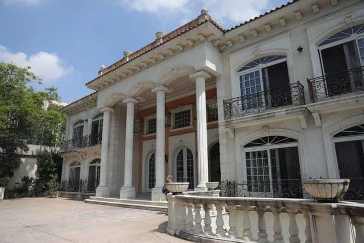 Es en esta vivienda las autoridades realizaron uno de los mayores decomisos de la historia al encontrar 206 millones de dólares en efectivo.