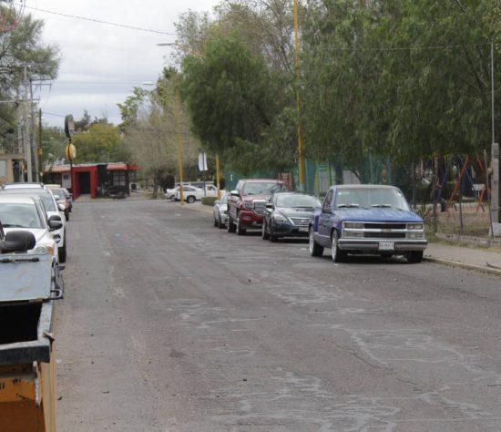 A un morro de la México le dieron un golpe con tal de quitarle su celular y cartera.