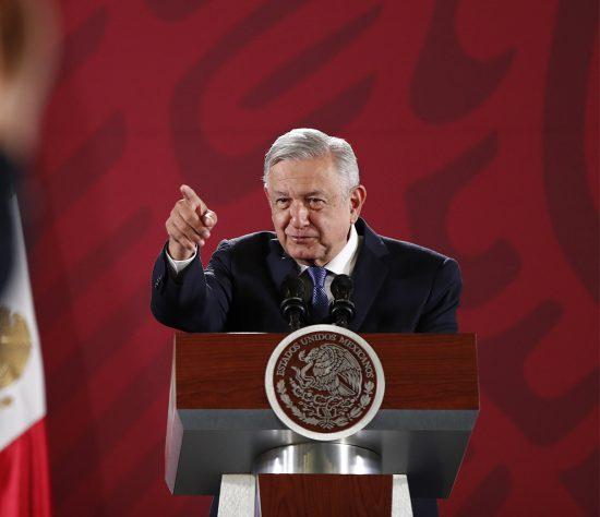 AMLO no puede creer que Chile esté arriba de México en el ranking creado por el Banco Mundial.