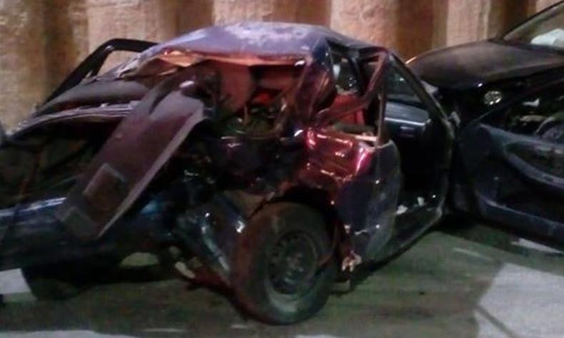 El vehículo quedó completamente destrozado.