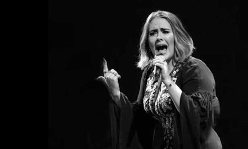 La cantante sorprendió a propios y extraños con su radical cambio de imagen.