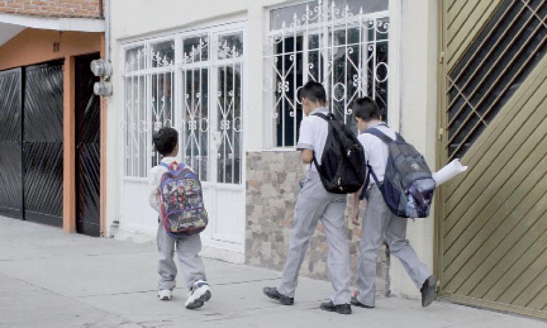 Los alumnos necesitan sí o sí regresar a las aulas.