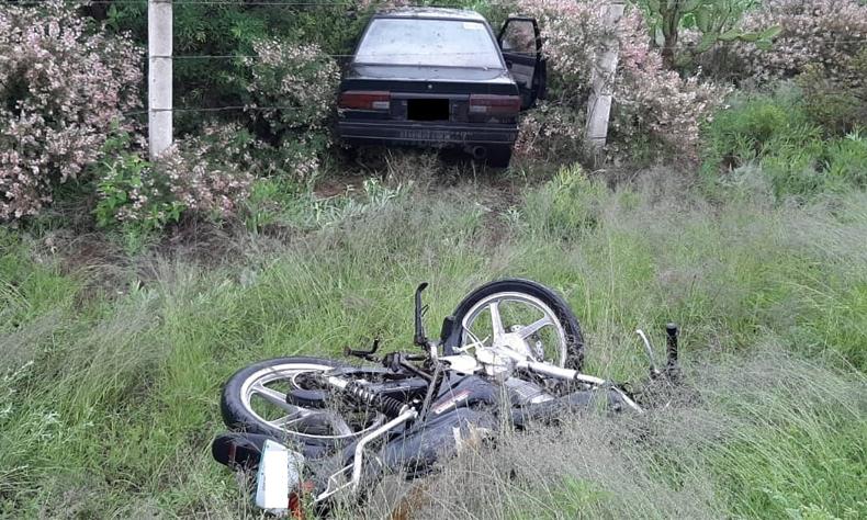 El septuagenario perdió el control de su carro e invadió el carril contrario.