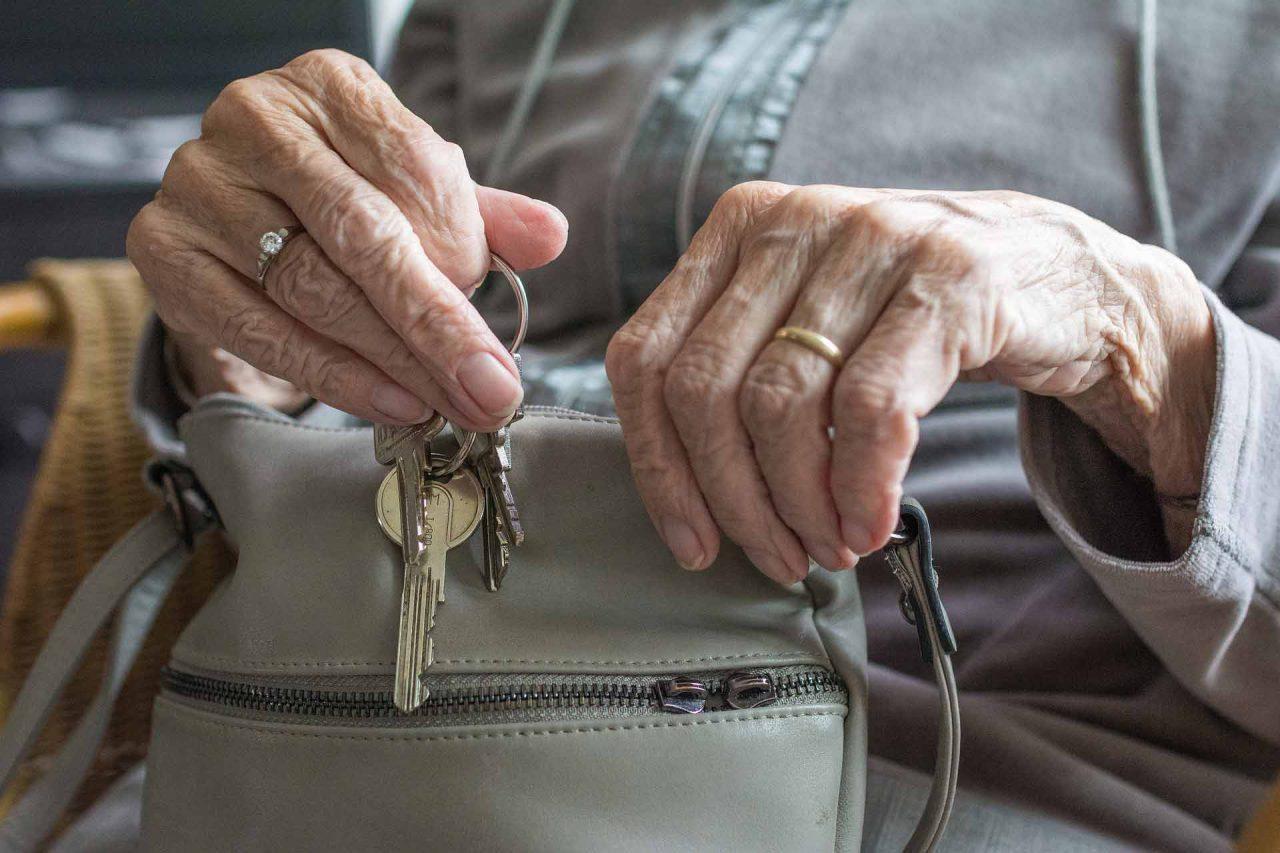 adultos-mayores-pension-aguas-28122020-1280x853.jpg
