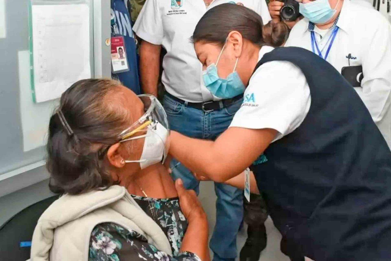 Vacunación, Adultos Mayores, México.