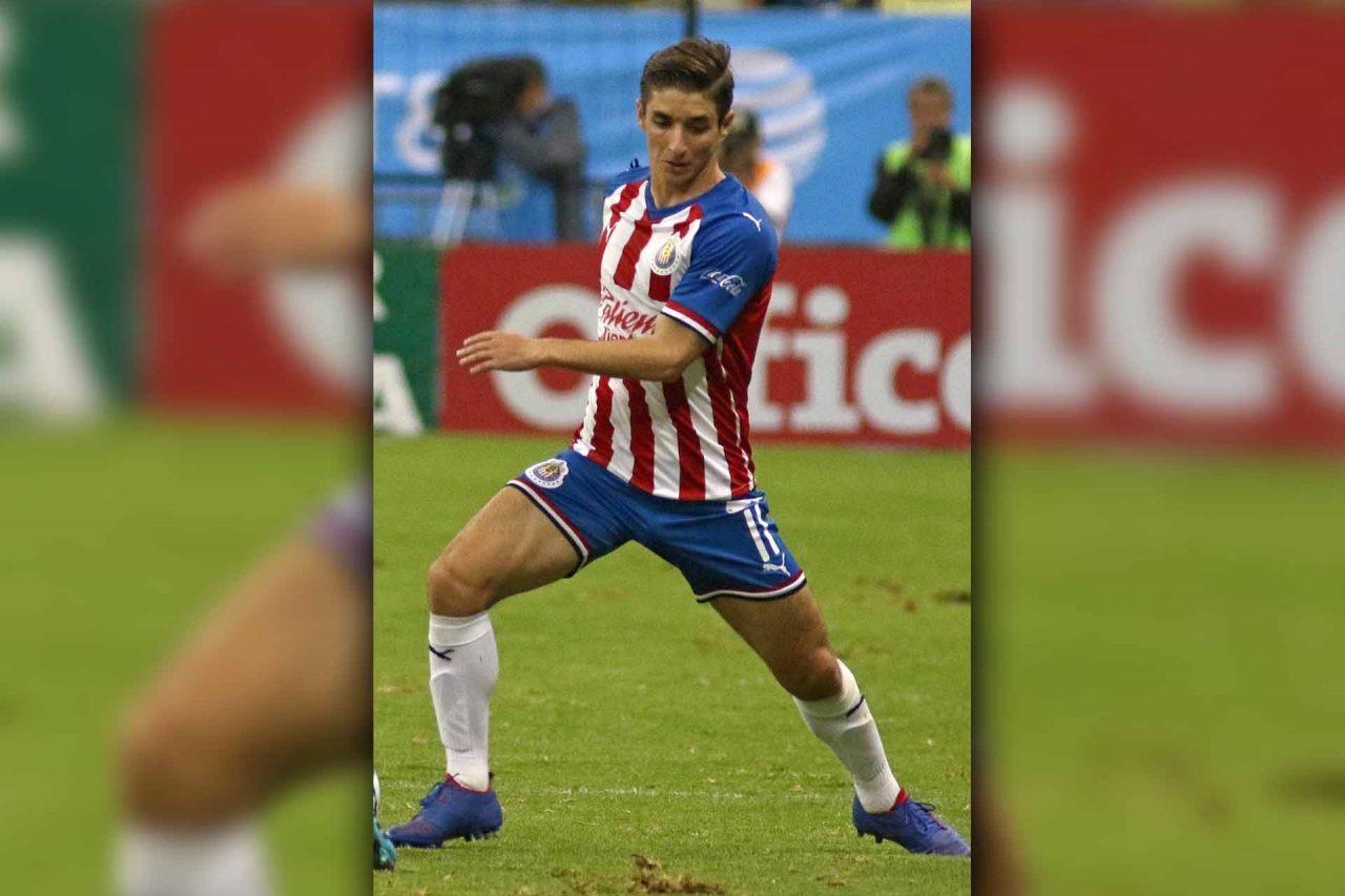 Isaac Brizuela, futbolista del Guadalajara