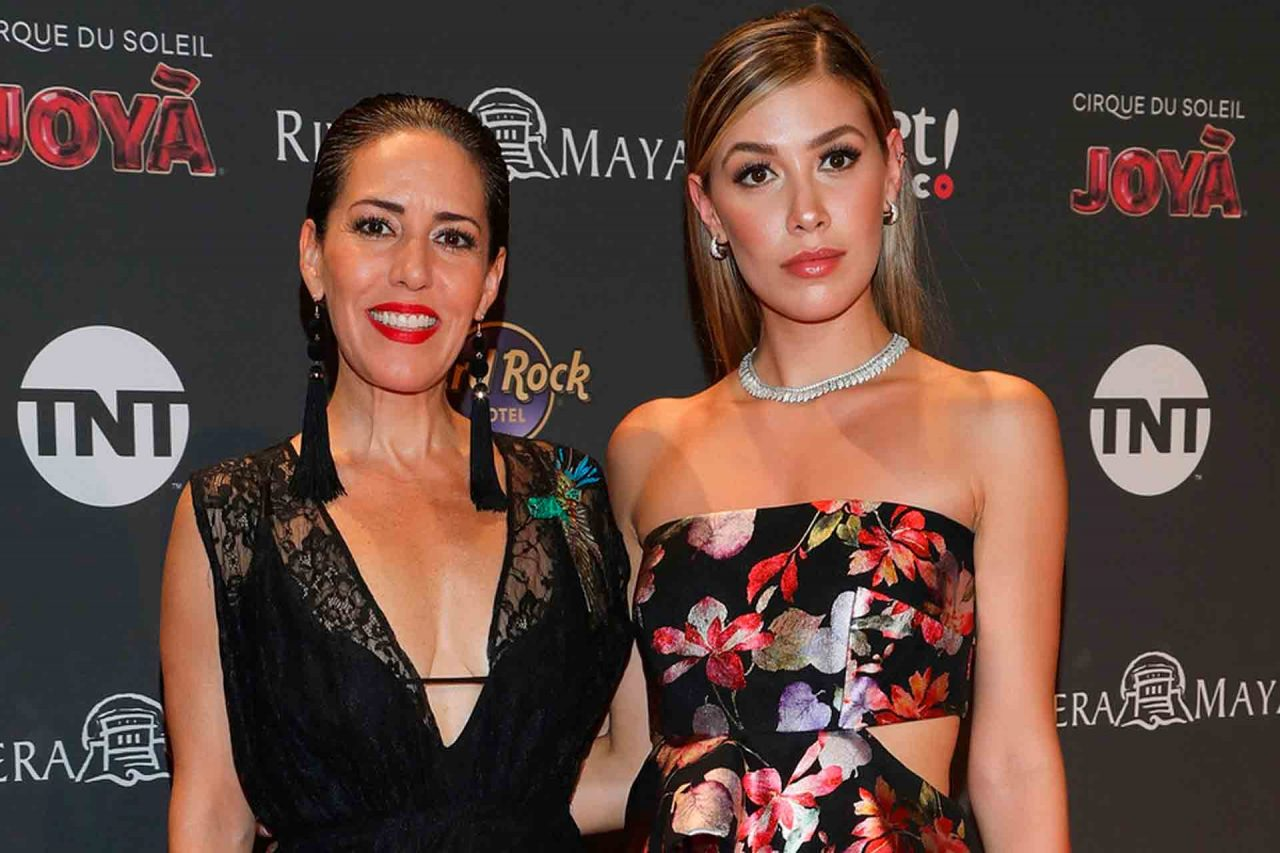 Stephanie Salas y Michelle Salas.
